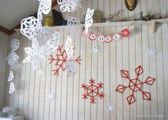 Red and White Snowflakes Christmas table by Press Print Party