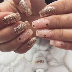 Gold nails, gold nail art, my nails, gold nail designs Silver Glitter Nails, Gold Nail Art, Cute Acrylic Nails, Glitter Stars, Pink Gold Nails, Gold Coffin Nails, Yellow Nails, New Years Nail Designs, Gold Nail Designs