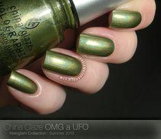 China Glaze Hologlam OMG a UFO swatch swatches holographic holo prismatic.  ☆ OMG A UFO ☆