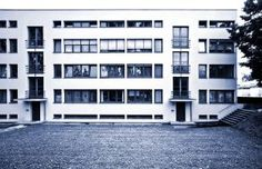 From Bauhaus An Ongoing Legacy - Photographs by Gordon Watkinson - Apartment House Weissenhof Estate, Ludwig Mies van der Rohe, Stuttgart, Germany © Gordon Watkinson Ludwig Mies Van Der Rohe, White Exterior Houses, White Houses, Classical Architecture, Facade Architecture, Walter Gropius, Art Deco, Brutalist, Exterior Design