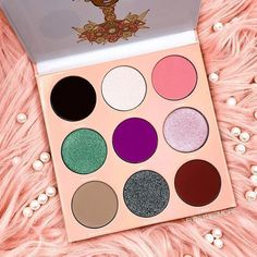 We at Makeup FOMO are definitely eyeshadow addicts. We are constantly looking beautiful new colors as inspiration for new eye looks! Our calendar features all upcoming makeup product releases so you won't miss out! #makeuptools