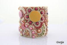 embroidered bracelet (Darjja, Fler)