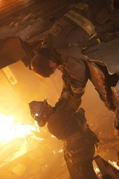 Taylor Kinney in Chicago Fire picture - Chicago Fire picture #28 of 62