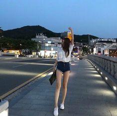 ◌⑅⃝●⋆Black.D⋆●⑅◌ Uzzlang Girl, Hey Girl, Ideal Body, Perfect Body, Korean Girl, Asian Girl, Skinny Girls, Skinny Legs, Korean Street Fashion