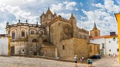 The largest medieval cathedral in Portugal.A fortified church with Gothic features, Évora Cathedral is the largest cathedral in Portugal. Initiated in Religious Architecture, Colonial Architecture, Santa Lucia, Day Trips From Lisbon, Places In Portugal, North Tower, Tower House, Next Holiday, Beautiful Places In The World