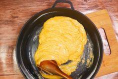 Składniki:  masło 113 g  cukier 50 g  cukier brązowy 100 g  <