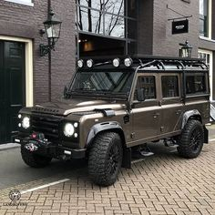 This kind of photo is undeniably an interesting design philosophy. Landrover Defender, Land Rover Defender 110, Jeep Wrangler Tj, Jeep Rubicon, Lifted Ford Trucks, 4x4 Trucks, Jeep Renegade, Rat Rods, Offroad