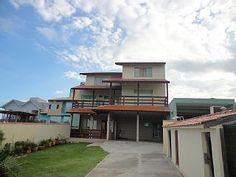 Casa em Florianópolis - Praia do Santinho - 7 quartos / 20 pessoasImóvel para temporada em Praia do Santinho da @HomeAway! #vacation #rental #travel #homeaway