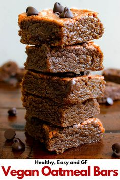Gooey and chocolatey Vegan Oatmeal Bars are filled with good fats, free from butter/oil and refined sugar! They still taste like an indulgent oatmeal bar. Vegan Sweets, Healthy Dessert Recipes, Vegan Recipes Easy, Healthy Desserts, Easy Desserts, Baking Recipes, Delicious Desserts, Snack Recipes, Bar Recipes