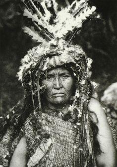 Pacific Northwest, Nootka medicine woman