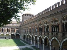 Castello Visconteo di Pavia, corte interna