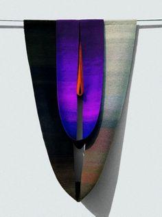 Decorum au Musée d'Art Moderne : Helene Frances Gregor, Totem n°5, 1976, Laine (basse lisse), 250 x 180 x 25 cm