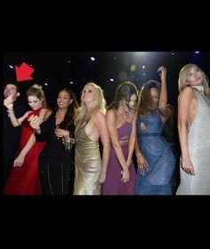 DIE HEISSESTE PARTY AN DER CÔTE D'AZUR Wenn sechs Models tanzen – freut sich Robin Thicke!