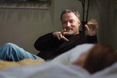 David Fincher David Fincher, Movie Creator, Gillian Flynn, Sexy Geek, Gone Girl, Upcoming Movies, Geek Gifts, Film Director, Brad Pitt