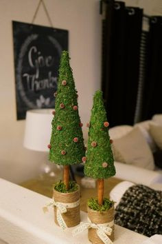 Anne's Odds and Ends: Christmas Topiary Tree Craft Christmas Makes, Felt Christmas, Diy Christmas Ornaments, Christmas Themes, Christmas Holidays, Christmas Decorations, Christmas Tree Topiary, Topiary Trees, Moss Decor