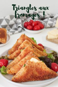 Cheese triangles - Here are samoussa triangles stuffed with cheese. They are super simple and quick to make and you wi - Taco Bell Recipes, Chicken Recipes, Healthy Dinner Recipes, Vegetarian Recipes, Cooking Recipes, Love Eat, Love Food, Ramadan Recipes, Football Food