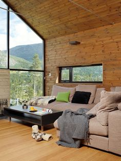 Moderne hyttekos i Hemsedal - Bo-Bedre.no Mobil House Design, House, Interior, Home, Cozy House, Interior Architecture, House Inspiration, Cottage Interiors, Rustic House