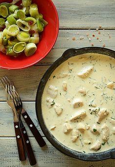 Kurczak w sosie serowym, Więcej: http://www.mniammniam.com/Kurczak_w_sosie_serowym-20492p.html