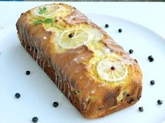 chec cu lamaie si afine Fresh Rolls, Deserts, Dessert Recipes, Bread, Cooking, Ethnic Recipes, Food, Kitchen, Brot