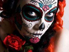 """A partir das 23h de 1º de novembro, o espaço recebe a festa """"Dia de Los Muertos"""", produzida pelo DJ Pancho Valdez."""