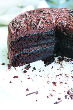 Crunchy chocolate cake recipe nz chelsea winter only on foodfactoryzone.com