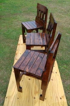 Pallet Kitchen Counter Chairs - Home Decor Pallet Bar Stools, Pallet Chair, Diy Chair, Wooden Pallet Projects, Pallet Crafts, Pallet Ideas, Diy Projects, Recycled Pallets, Wood Pallets