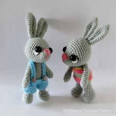 Pattern Update (20 April, 2014): The pattern for bunny legs has now been revised. If you downloaded this pattern before 20 April, 2014, please visit my blog to download the revised pattern.