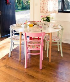 Paint chairs and table legs in different colours ~ love this look!