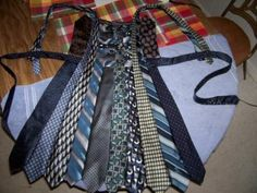 can never have too many ideas of what to make from old ties