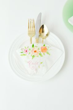 White and Gold Wedding. DIY Coffee Filter Place Settings