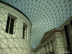 An amazing new Architectural Structure encapsulating the old buildings of the British Museum, London