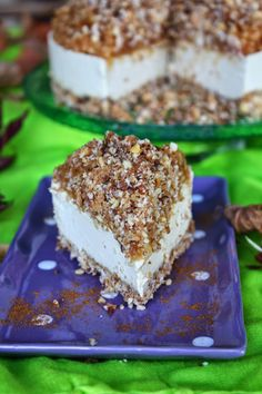 Raw apple crumble cheesecake #raw #vegan #dairyfree #rawdessertrecipes #sweetlyraw #glutenfree