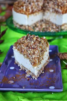 Raw apple crumble cheesecake #raw #vegan #dairyfree #rawdessertrecipes #sweetlyraw #glutenfree