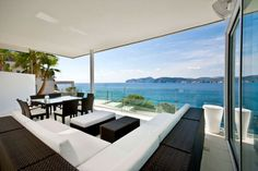 Mallorca Gold is luxury waterfront designer villa set in Santa Ponsa, a holiday resort in the south west of Majorca, in the municipality of Calvià. Villa Design, House Design, Outdoor Areas, Outdoor Rooms, Outdoor Living, White Interior Design, Interior Exterior, Modern Interior, Modern Decor