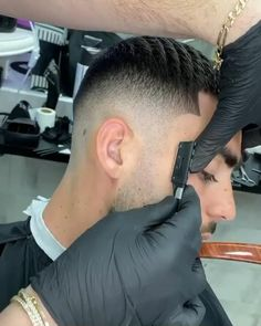 Tomboy Hairstyles, Cool Hairstyles For Men, Men's Hairstyles, Latest Hairstyles, Short Hair Designs, Short Hair Styles, Black Men Haircuts, Thing 1, Pompadour