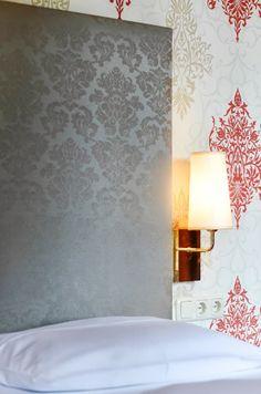 Kunstledertapezierung am Betthaupt Tapestry, Lighting, Home Decor, Bed, Hanging Tapestry, Homemade Home Decor, Tapestries, Lights, Needlepoint