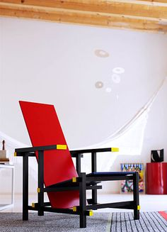 Red and blue chair from Dutch designer Gerrit Rietveld