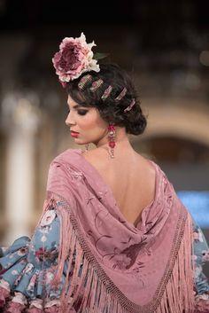 Viviana Iorio - We Love Flamenco 2018 - Sevilla Spanish Fashion, Spanish Style, Diva Quotes, Tribal Dress, Wedding Costumes, Yes To The Dress, Folk Costume, Festival Wear, Traditional Dresses