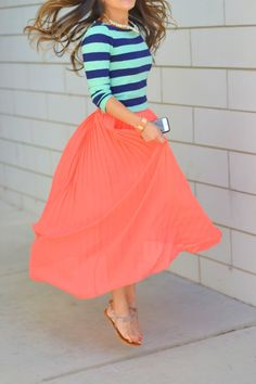 coral skirt + striped shirt // spring fashion Not sure if I like the color combo but I love each piece on its own! Fashion Mode, Look Fashion, Fashion Beauty, Coral Fashion, Fashion Shoes, Luxury Fashion, Fashion Trends, Modest Outfits, Modest Fashion