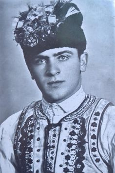 Romanian traditional costumes Part 1 Port national