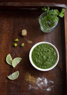 Tangy and strongly flavored chutney Punjabi style green chutney made with herbs, onion, radish and tomato. A healthy and easy green chutney recipe from my mil's fab punjabi recipes collection. Coriander Chutney Recipe, Easy Chutney Recipe, Coriander Cilantro, Cilantro Chutney, Pudina Chutney Recipe, Green Chutney Recipe, Indian Food Recipes, Vegetarian Recipes, Side Dishes