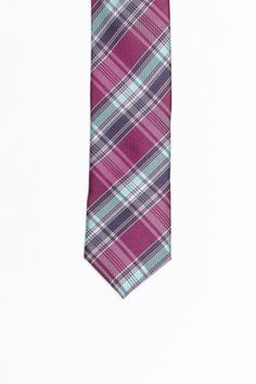 Skinny Tie Madness Smashed Tie  I wish I could wear ties cause I love this one.