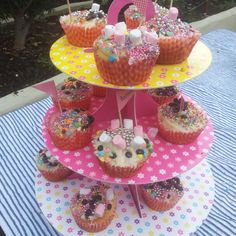 Decorate your own cupcake...candy land