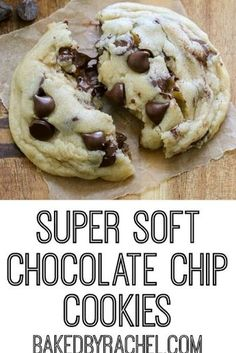 Perfect super soft and chewy chocolate chip cookies that stay soft! Enjoy warm f… Perfect super soft and chewy chocolate chip cookies that stay soft! Enjoy warm for a super ooey gooey center! A must make for all chocolate Gooey Cookies, Homemade Chocolate Chips, Homemade Chocolate Chip Cookies, Perfect Chocolate Chip Cookies, Chocolate Chip Recipes, Chocolate Chip Oatmeal, Cookies Soft, Choclate Chip Cookies, Chocolate Chocolate