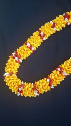 Graduation Lei - red and gold