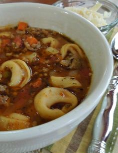 Italian Tortellini Soup is hearty and warm but not heavy. I used stew tomatoes and let it simmer on the stove all day putting the tortellini in just before it was time to eat! Crockpot Recipes, Soup Recipes, Cooking Recipes, Healthy Recipes, Yummy Recipes, Quick Recipes, Healthy Lunches, Detox Recipes, Chili Recipes