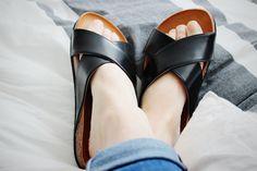 TIME FOR SANDALS Modezeilen.blogspot.com #fashion #modezeilen #fashionblogger #inspiration #streetstyle #sandals #leather #h&m #summer #flats #comfy