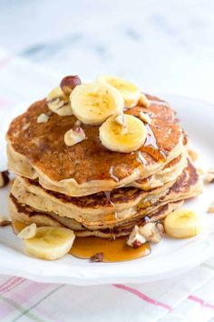 This easy Spiced Buttermilk Banana Pancakes recipe is perfect for breakfast with lots of ripe banana, buttermilk and spices. Yummy Pancake Recipe, Yummy Food, Pancake Recipes, Healthy Food, Paleo Breakfast, Breakfast Recipes, Banana Nut Pancakes, Buttermilk Pancakes, Fluffy Pancakes