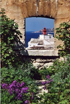 Magie de Bonifacio...  Crédit-photos: Editions Corse