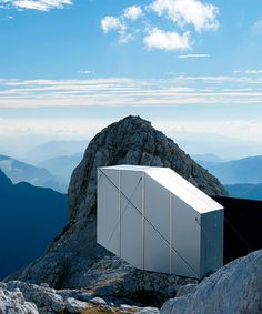 OFIS develops compact winter cabin for extreme conditions